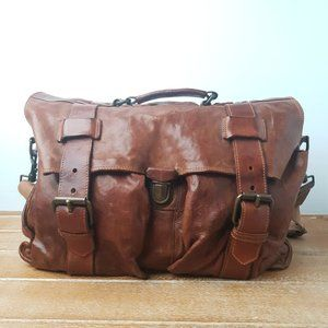 CAMPOMAGGI Double Buckle Leather Messenger Bag